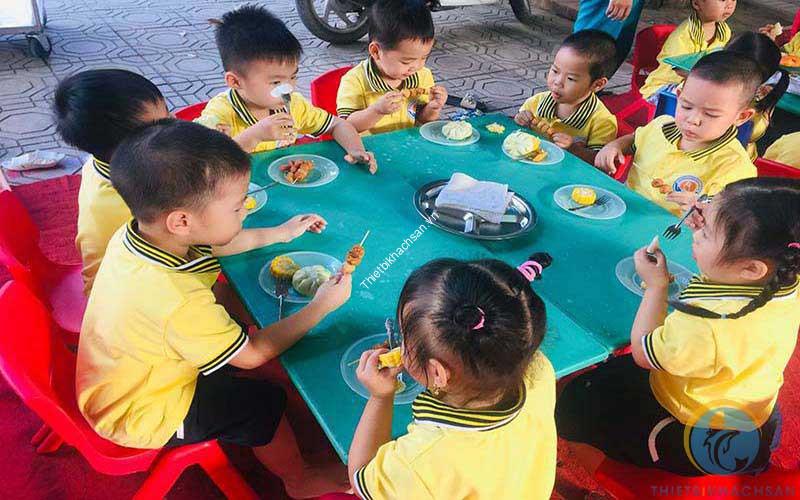 Ảnh ý nghĩa tiệc buffet đối với trẻ